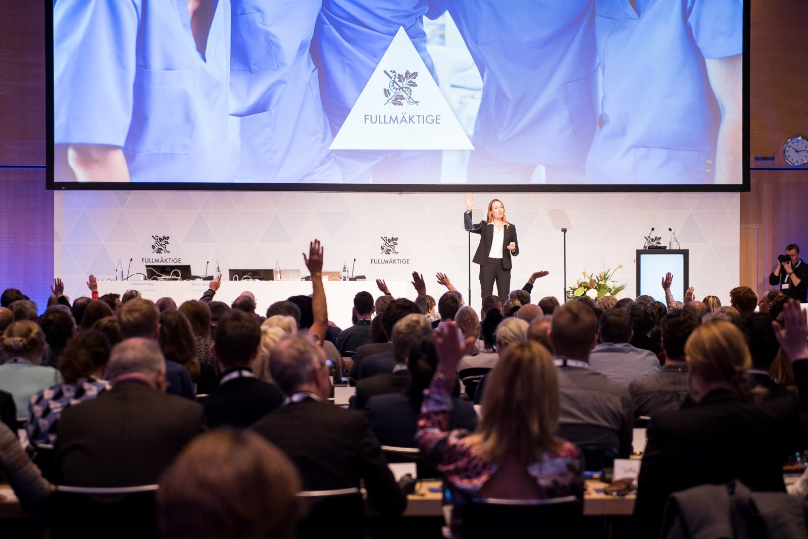 Heidi Stensmyren öppnar Fullmäktigemötet 2018