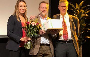 Stig-Martin Carlsson får pris som Årets kollega,.