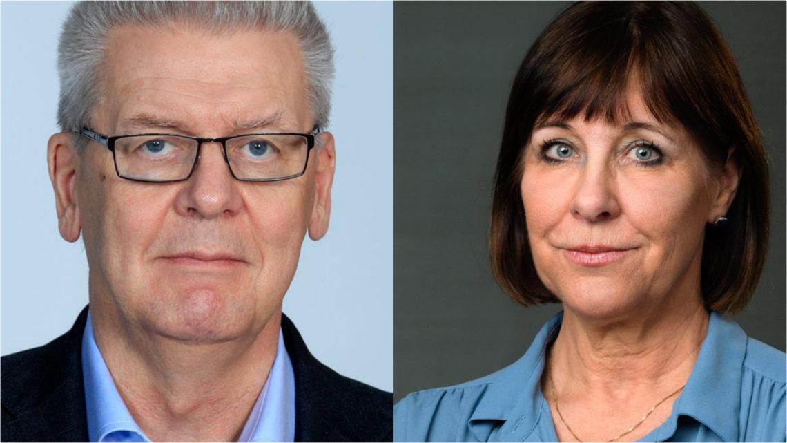 Två porträttbilder, en man med kort grått hår och glasögon och en kvinna med brun page och lugg. Han har mörk kavaj och båda har ljusblå skjortor.